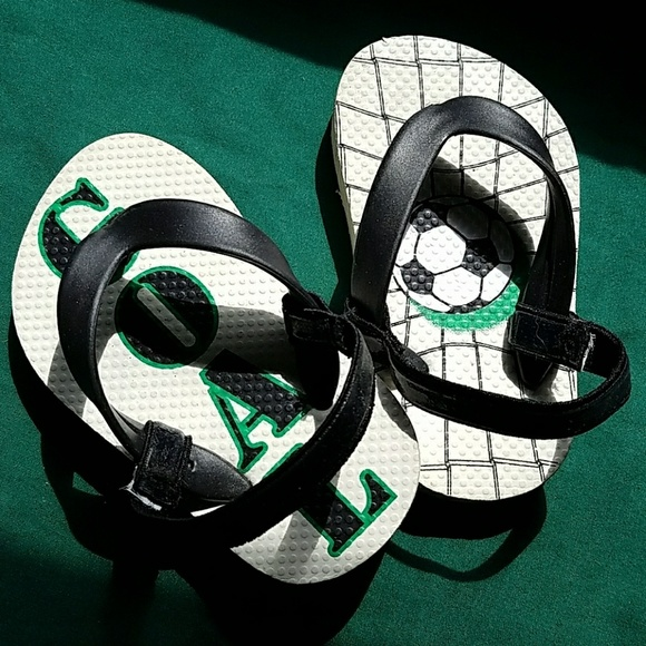 Children's Place Other - Childrens Place Baby Boy Soccer Sandals 4/5
